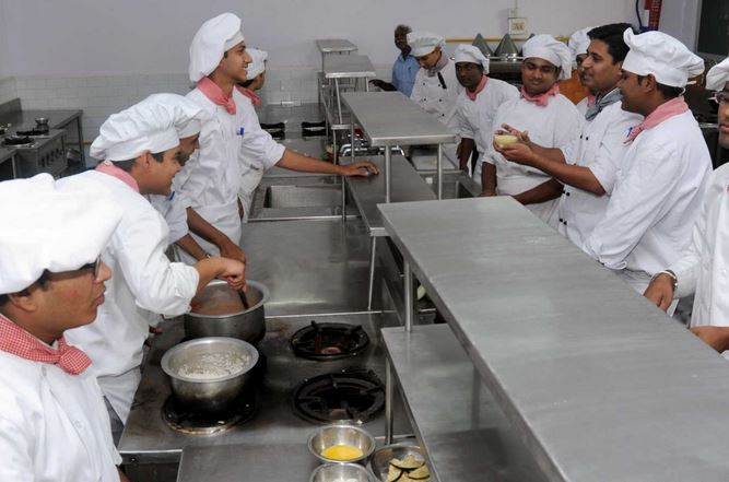 Shri Balasaheb Tirpude College Of Hotel Management And Catering Technology Nagpur