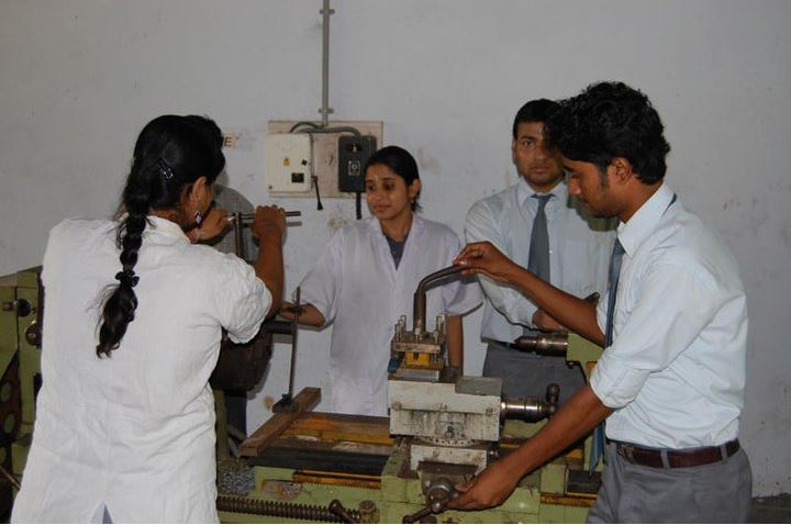 Imps College Of Engineering And Technology (IMPS) Malda